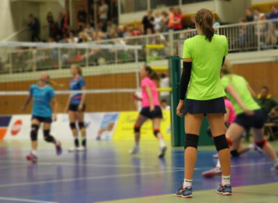 Volleyball in Turnhalle